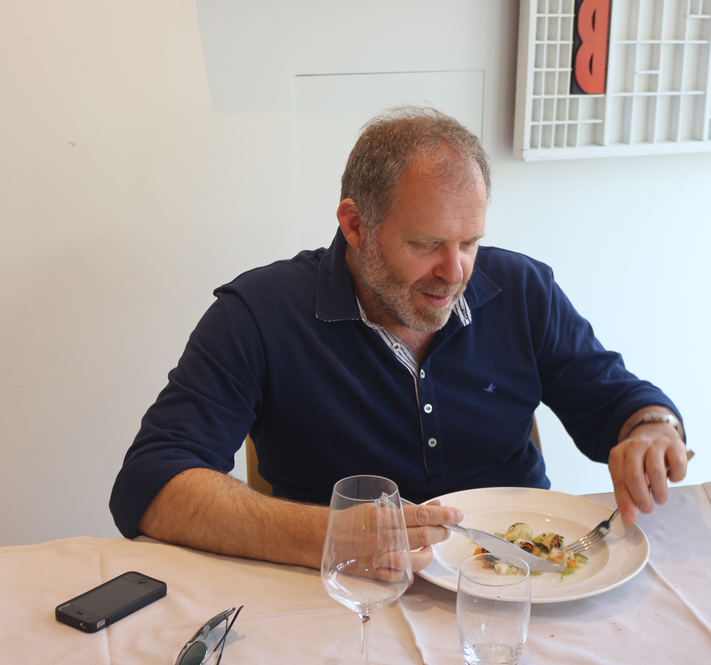 Sandro Berra enjoying lunch at Le Corderie. Photograph by Paul Shaw (2015).