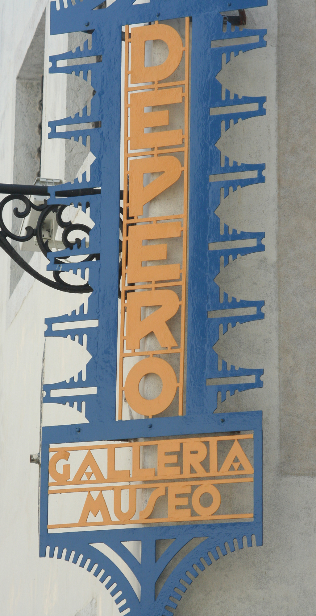 Sign for the Depero Galleria e Museo. Photograph by Paul Shaw 2011.