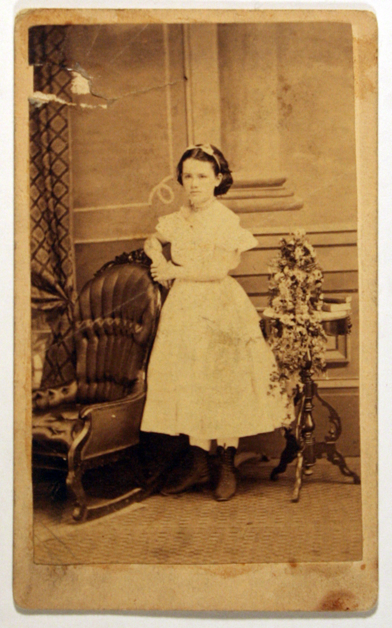 Eva Siegfried as a young girl. (Photograph by Geo. Wm. White (Chillicothe, Ohio). Courtesy Special Collections, Boston Public Library.