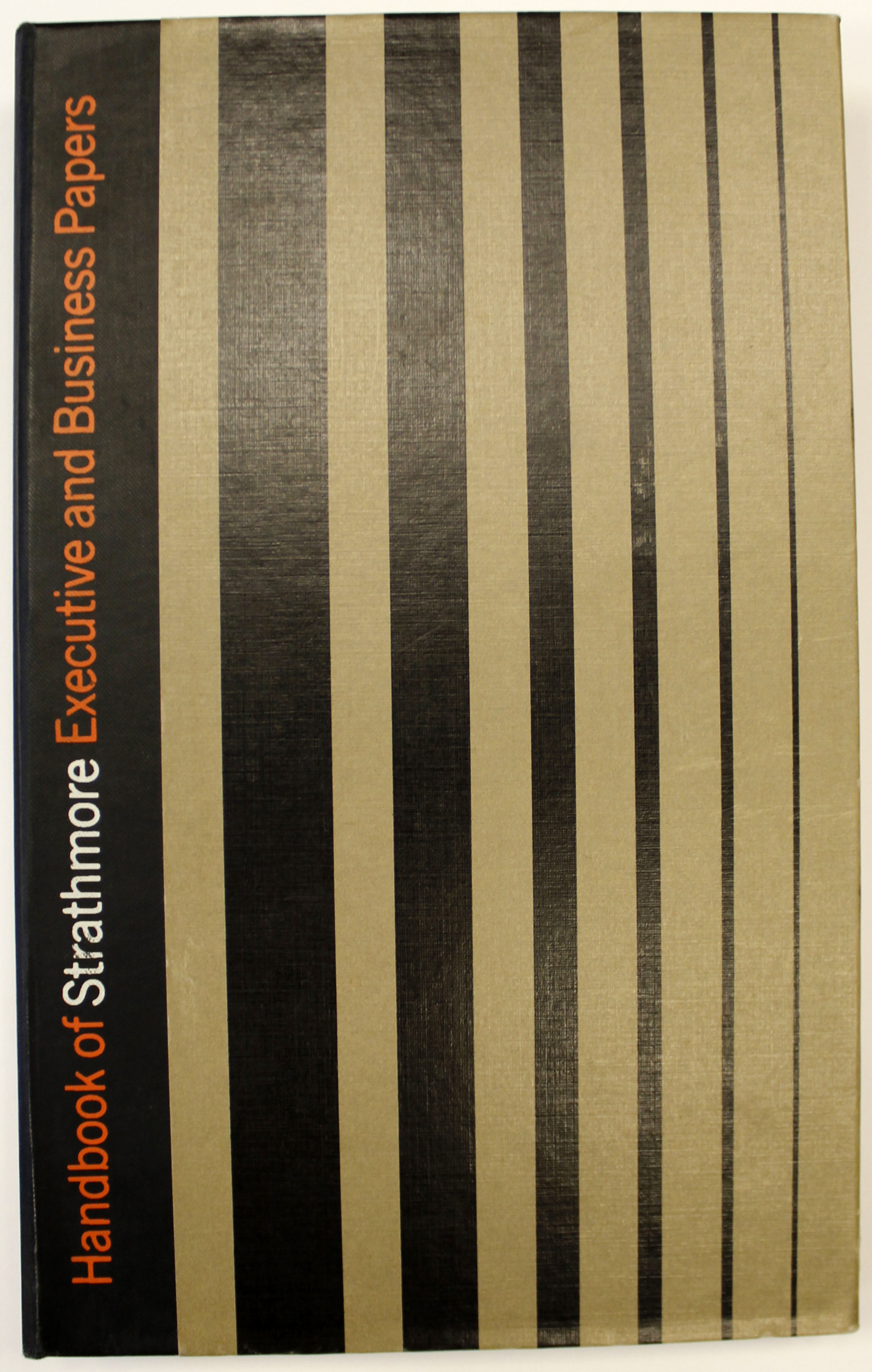 Cover of Handbook of Strathmore Executive and Business Papers (Strathmore Paper Co., 1965). Design by George Tscherny. Photograph by Vincent Giordano.