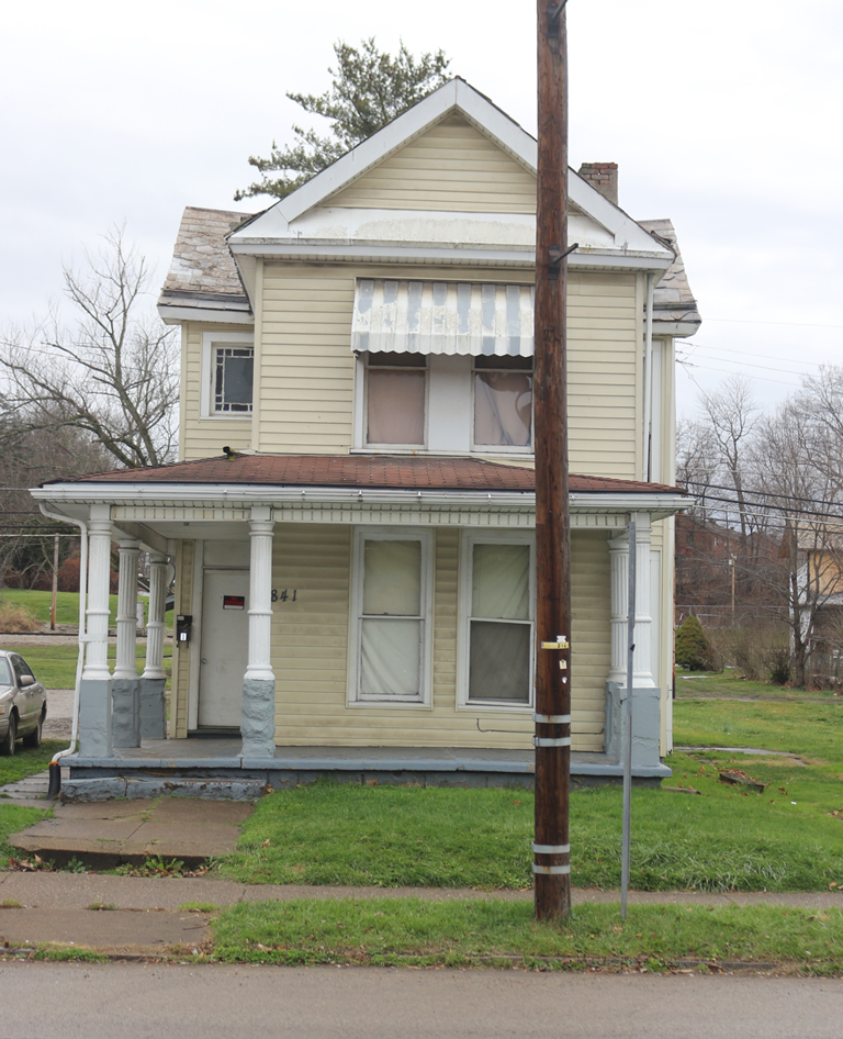 841 Putnam Avenue, Zanesville, Ohio. Photograph by Paul Shaw (2015).