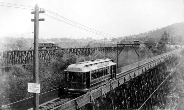 Railroad and interurban electric railway bridges across the Arroyo Seco c.1895. Photograph from Wikimedia Commons.